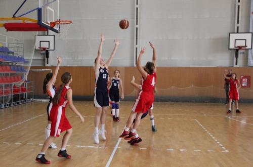 1d50d2e3 В Хакасии прошли два региональных турнира по баскетболу среди девушек