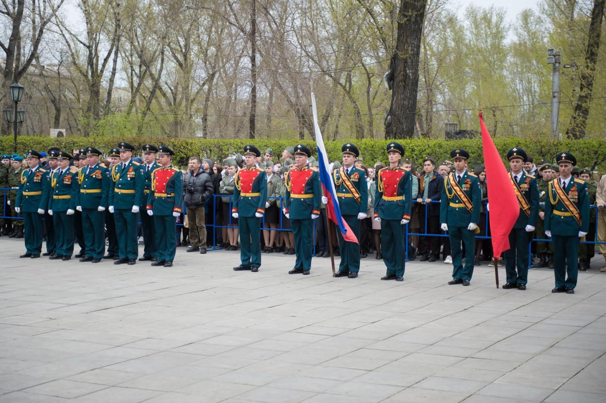 Жителей Хакасии приглашают на торжественную передачу боевых знамён